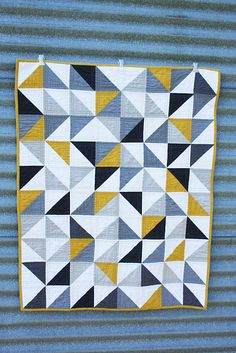 simple but pretty quilt = would look good with red in place of yellow