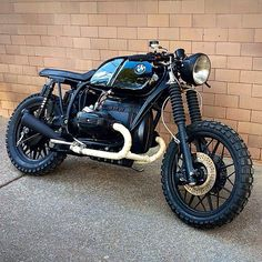 @soulmotorco's BMW R100 build is looking pretty slick. [via @caferacersofinstagram] What do you think? #bmw #motorrad #cafe - bikeexif's photo on Instagram - Pixsta PC App