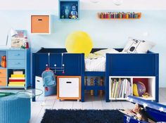 Clever under the bed storage (store: Fly)