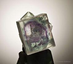 Fluorite (phantoms) in cube  Yaogangxian Mine, Yizhang Co., Chenzhou Prefecture, Hunan Province, China