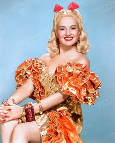 Betty Grable in one of the elaborate costumes worn in DOWN ARGENTINE WAY Color enhanced image by Hollywood Pinups from the b&w original. Hollywood Vintage, Old Hollywood Glamour, Golden Age Of Hollywood, Hollywood Stars, Classic Hollywood, Hollywood Divas, Good Girl, Up Girl, Classic Actresses