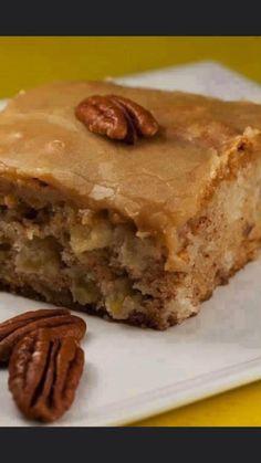 Fresh Apple Cake, Fresh Apples, Apple Pie, Moist Apple Cake, Carrot Cake, Just Desserts, Delicious Desserts, Yummy Food, Health Desserts