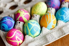 Coloring Easter Eggs w/ Rubber Cement -- dyeing Easter eggs with gel food coloring and this rubber cement technique produces some spectacularly high contrast, gorgeous abstract designs! Use it on blown-out eggs to preserve these cool Easter Eggs for years to come... | unsophisticook.com