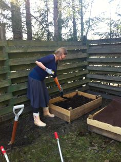 Anna tonkii. Garden Hose, Anna, Texture, Wood, Crafts, Outdoor, Surface Finish, Outdoors, Manualidades