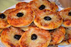 mini pizzas aux deux poivrons et deux fromages spécial apéro