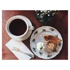 Why stop eating when you have so many good places to go to? Tea time with Earl Grey Chiffon Cake and discussion about the food trends 2017 with @susannaglitscher from the @berlinfoodweek