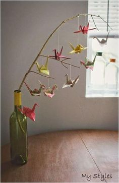 How to make a baby mobile sweet and colorful ideas - DIY Papier - Origami Origami Design, Origami Diy, Origami Simple, Origami Paper Crane, Origami Ball, Useful Origami, Origami Flowers, Origami Cranes, Paper Cranes