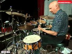 Steve Smith Drum Solo from Modern Drummer Festival 2003 - YouTube