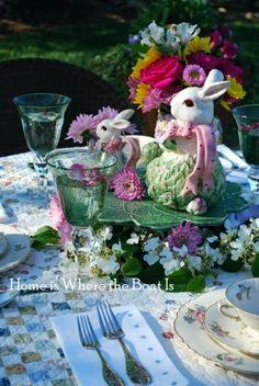 Originelle Blumendekoration zu Ostern - Ostermahl im Garten