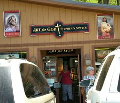 I'm now selling at the Art for God Gallery in Gatlinburg, TN!