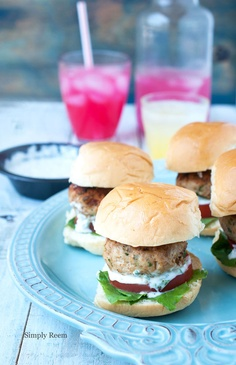 chicken sliders with tangy yogurt sauce