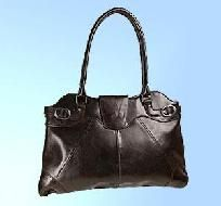 FREE SHIPPING WITHIN THE CONTINENTAL USA  Luxury Italian Leather Bag  15W X 9H X 3D  **THIS BAG IS PICTURED IN BLACK. ALSO AVAILABLE IN OTHER COLORS. PLEASE EMAIL ME BEFORE PURCHASE FOR OTHER COLOR SELECTIONS.  Please check out my other listings for... $36.00