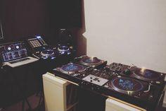 #goodmorningstudionantes  #djing #place #vinyle #cd #digital #turntable #technics #sl1200mk2 #pioneer #cdj2000 #cdj2000nexus #traktor #serato #rane #seratodj #akai #denon #ecler #hak380ecler #turntablism #mixing #remixing #mixinglesson by binary_flights_records http://ift.tt/1HNGVsC