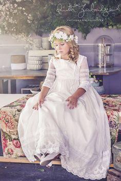 ALEJITOS CON ENCAJES Outdoor Wedding Inspiration, Baptism Dress, Communion Dresses, First Communion, Flower Girl Dresses, Flower Girls, White Dress, Wedding Dresses, Child