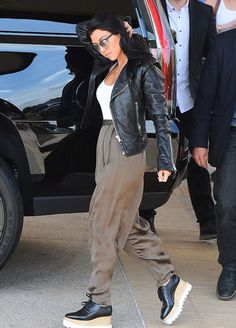 """alldasheverything  """"Kourtney out in Beverly Hills - October 19, 2015 """"  Chaussures Femme 4a811a806fcd"""