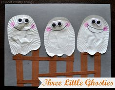 Cupcake Liner Ghosts - - pinned by @PediaStaff – Please Visit  ht.ly/63sNt for all our pediatric therapy pins