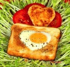 Cute Valentine's Day Recipe - Eggs in a Basket!! Love this!!!!!