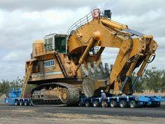 Semitrckn — rollerman1: Liebherr 966 excavator being moved...