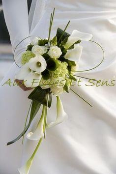 Bouquet de mariée retombant avec Arum et Ornithogalum