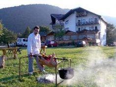 Strainii, fascinati de turismul rural, paine aburinda si Romania