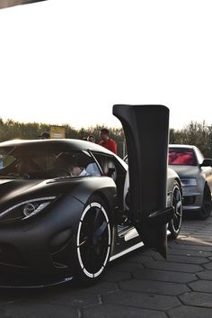 themanliness:  Matte Black Agera R | Source | MVMT | More
