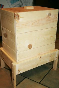 Worm Hive Worm Composting Bin 5 layers by on Etsy Worm Beds, Garden Compost, Herb Garden, Gardening, Garden Farm, Garden Tips, Red Worms, Bee Boxes, Worm Farm