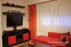 Mueble a medida.  www.carolinastroeder.com.ar  Twitter: @CaroStroeder FB: www.facebook.com/VidrierasBsAs