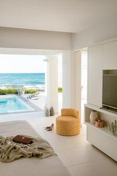 Das #Grecotel White Palace auf #Rhodos ist ein #Luxushotel, wie es im Buche steht. Wie wäre es, wenn ihr morgens von der Sonne wachgekitzelt werdet, eure Terrassentür öffnet und in den #Pool springt? Grecotel LUX.ME White Palace***** #Griechenland #Kreta #Rethymnon #TUI #PrivatePool #DiscoverYourSmile Private Pool, Beautiful Hotels, Rhodes, Sun, Luxury