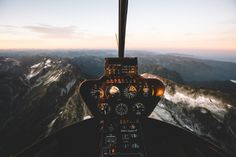 Helicopter flight over the Northern Cascades