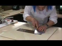 Jak zrobić piękne ozdoby na tort z czekolady - rurki z białej i czarnej czekolady