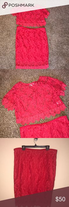 Monif C Gissel 2pc Set Beautiful scallop lace 2 pc set. Crop top is lace. Skirt is lace with lining underneath. Worn once. Monif C. Dresses