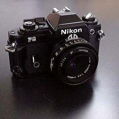 Nikon Film Camera, Nikon Digital Camera, 35mm Film, Nikon Cameras, Digital Cameras, Nikon D90, Camera Obscura, Camera Equipment, Cameras For Sale