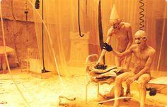 Cette mise en scène date de 1995. Dans le cadre du large portrait que lui consacre le Festival d'Automne, Romeo Castellucci la présente de nouveau. Depuis il a fait mieux, notamment esthétiquement. C'est un peu l'overdose Castellucci !