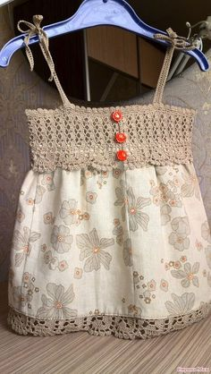 Beautiful Top Crochet girl's d This Pin was discovered by lyu nice dresses for girls Crochet Tutu, Crochet Yoke, Crochet Fabric, Crochet Girls, Crochet Baby Clothes, Crochet For Kids, Diy Crochet, Crochet Dress Girl, Vintage Crochet