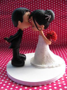 Fofinhos by Patricia Tiyemi Bride and groom Fondant Toppers, Wedding Cake Toppers, Wedding Cakes, Super Torte, Our Wedding, Dream Wedding, Fondant Tutorial, Fondant Figures, Sugar Art