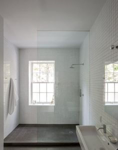 10 Favorites: White Bathrooms from the Remodelista Designer Directory | Remodelista | Bloglovin'