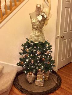 Whimsical Christmas Trees, Christmas Fun, Money Saving Tips, Decoration, Holiday Decor, Home Decor, Decor, Decoration Home, Room Decor