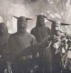 baldespendus:   Carnaval de Huejotzingo, Puebla, México, 1941. By Kati Horna.