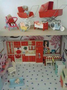 N Retro 2, Retro Toys, Vintage Toys, Retro Vintage, Doll Toys, Dolls, Miniature Kitchen, Tin Toys, Doll Furniture
