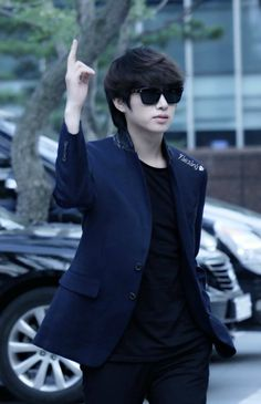 Heechul being too fab for you.