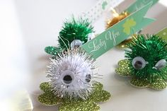 St. Patrick's Day Party Printables by tweedledeeaz on Somewhat Simple