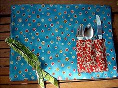 Learn how to make placemats with this collection of placemat sewing patterns. When you make your own placemats, you can customize and design your way. Easy Sewing Projects, Sewing Hacks, Sewing Tutorials, Sewing Crafts, Craft Projects, Sewing Patterns, Diy Crafts, Sewing Ideas, Craft Ideas
