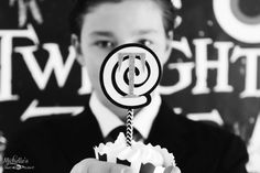 Twilight Zone Cupcake toppers made with Pick your plum #paperstraws #pickyourplum #pyp #halloween