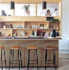 multiplex liefde!  #coworking spot #LikeBirds Home Bar Counter, Retail Design, Wood Design, Home Office, Liquor Cabinet, Decoration, Architecture, Kitchen, Restaurants