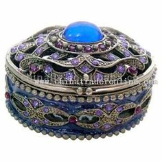 wholesale Jewelry Box-buy discount Jewelry Box made in Jewelry Boxes Wholesale, Antique Boxes, Pretty Box, Gold Box, Discount Jewelry, Vintage Box, Treasure Boxes, Little Boxes, Jewel Box