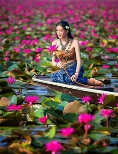 A young Woman in a lotus pond Beautiful Vietnam, Lotus Pond, Lotus Garden, Indian Photoshoot, Good Morning Flowers, Jolie Photo, People Of The World, Ao Dai, Photography Women