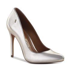 Apaixonadas pelo acabamento perlato do scarpin com brilho metalizado cheio de glamour!  R$18990 | Ref: 000B.00B5.0007.0022  #santalollaverao16 #scarpin #highheels by santa_lolla