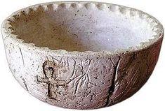 Fórmulas artesanales Parte I Paper Mache Bowls, Paper Bowls, Paper Mache Crafts, Pasta Piedra, Clay Bowl, Cement Crafts, Do It Yourself Crafts, Paper Clay, Cold Porcelain