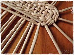 Мастер-класс: плетём лапоточки-оберег из бумажных трубочек - Ярмарка Мастеров - ручная работа, handmade