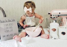 Baby Number 2 Announcement, 2nd Pregnancy Announcements, Creative Baby Announcements, Big Sister Announcement, Baby Announcement Pictures, Baby Girl Photos, Baby Winter, New Baby Products, Baby Muffins